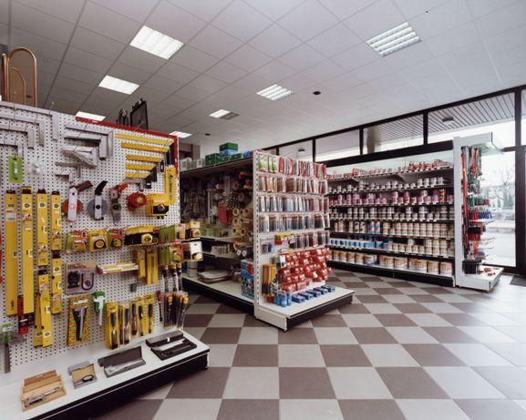 Scaffalatura metallica per ferramenta zaf ferramenta for Scaffalature per negozi e arredi ufficio usato palermo