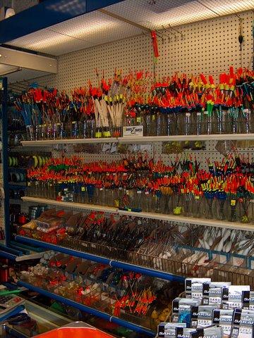 Arredo per pesca zaf pesca arredo negozi prodotti for Scaffalature per negozi e arredi ufficio usato palermo