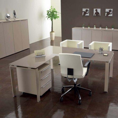 Scrivania con piano in vetro abo scrivanie operative for Scrivanie operative per ufficio prezzi