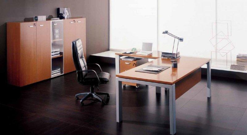 Scrivania presidenziale kristall va scrivanie for Mobili metallici per ufficio