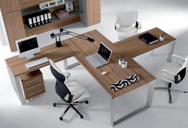 Scrivania presidenziale vertigo dv scrivanie for Negozi mobili ufficio