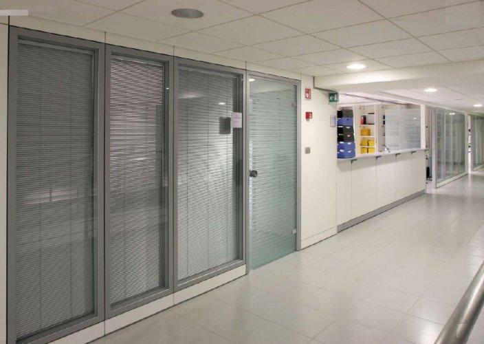 Pareti divosorie pannellate pareti divisorie mobili for Mobili e scaffalature per ufficio