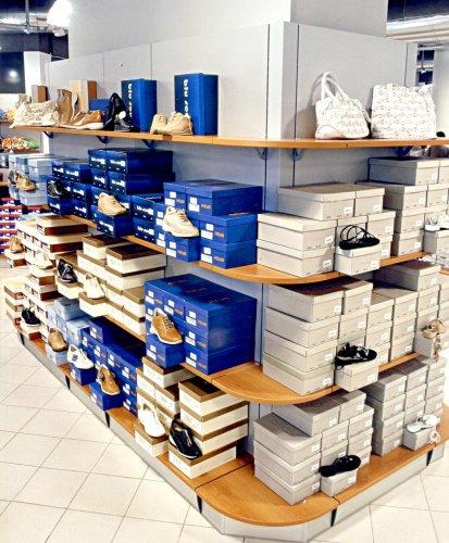 Calzature prodotti appia office arredi negozi for Cioccari arredamenti via appia